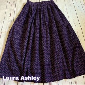 Laura Ashley size 0 1 24 waist vintage skirt